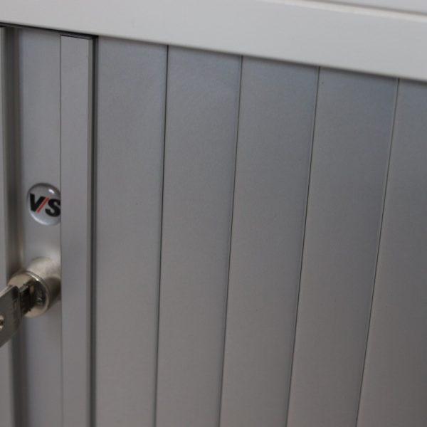 szafa z roletą aluminiową